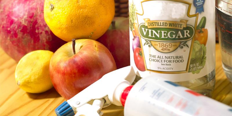 Làm sạch rau củ quả có bề mặt nhẵn nhờ giấm