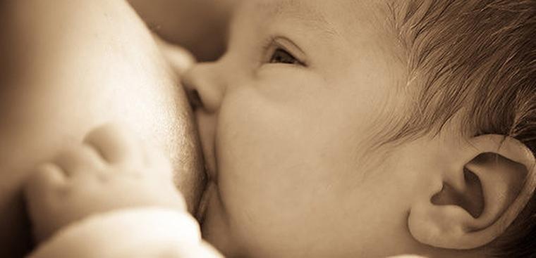 Làm sao để sữa mẹ tốt và nhiều hơn cho em bé