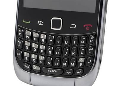 BlackBerry Curve 9300 có bàn phím QWERTY cho thao tác tốt