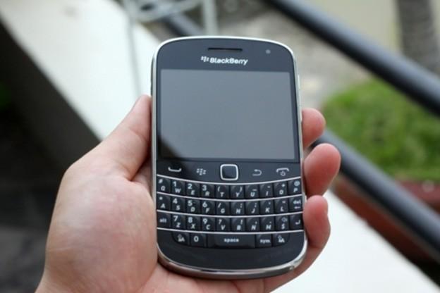 Mặt trước BlackBerry Bold Touch 9900