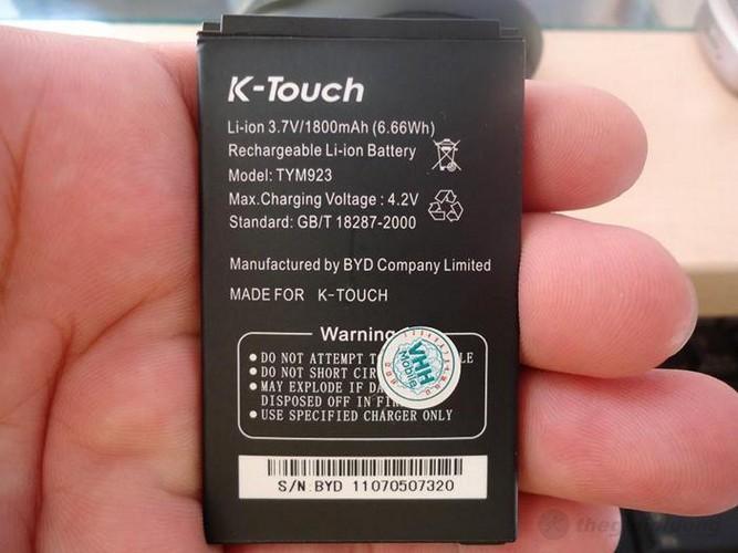 Pin chuẩn Li-Ion, có dung lượng lên đến 1800 mAh