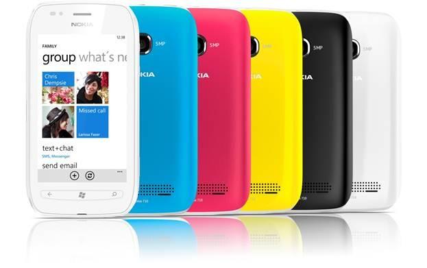 Điện thoại Nokia Lumia 710 với nắp lưng nhiều màu sắc