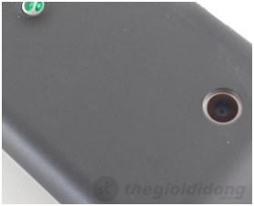 Camera 3.2 Mp mang lại hình ảnh sống động, sắc nét.
