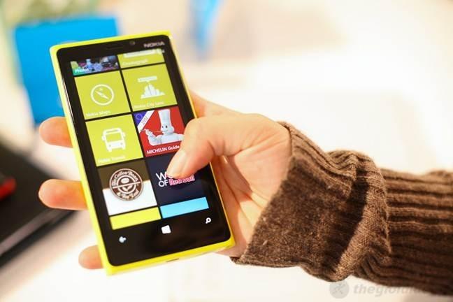 Nokia Lumia 920 sử dụng Windows Phone 8 mới nhất