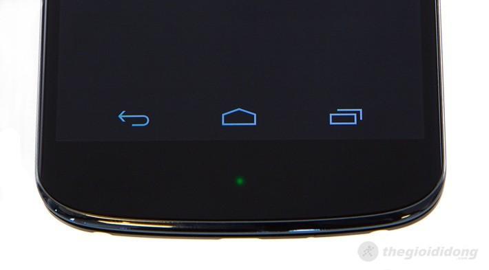 Nút cảm ứng ở mặt trước của LG Nexus 4