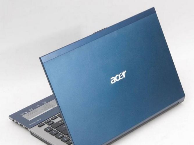 Acer Aspire 4830 có thiết kế khá mỏng