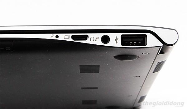 Cạnh phải với các cổng kết nối miniVGA, combo jack tai nghe/míc, USB  2.0
