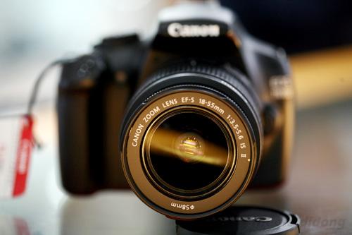 Ống kit đi kèm OES 1100D là Canon EF-S  18-55mm f3.5-5.6 IS II