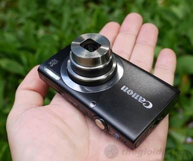 Canon PowerShot A2300 gọn trong lòng bàn tày