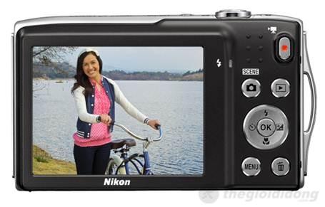 Nikon Coolpix S3300 với màn hình chống chói